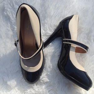 MODCLOTH Graham street  heels.  Sz. 8